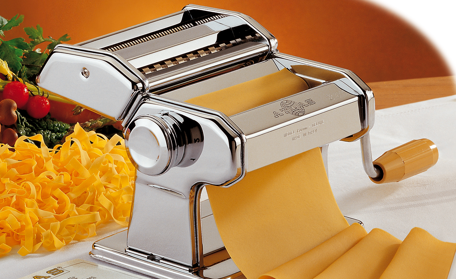 Strojek na těstoviny s nástavcem na špagety - Marcato